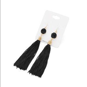 Jewelry - Black tassel drop earrings